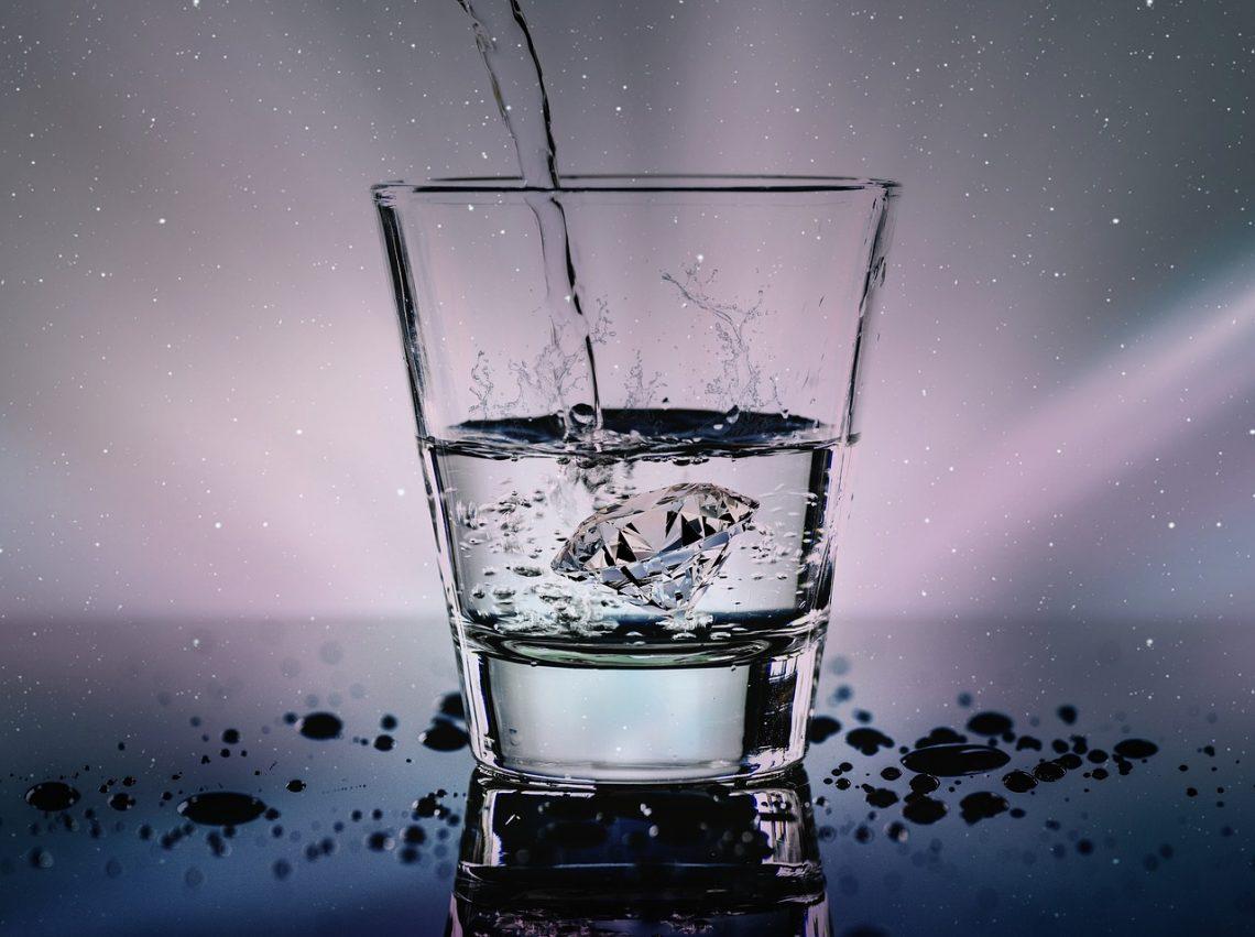 edelsteenwater